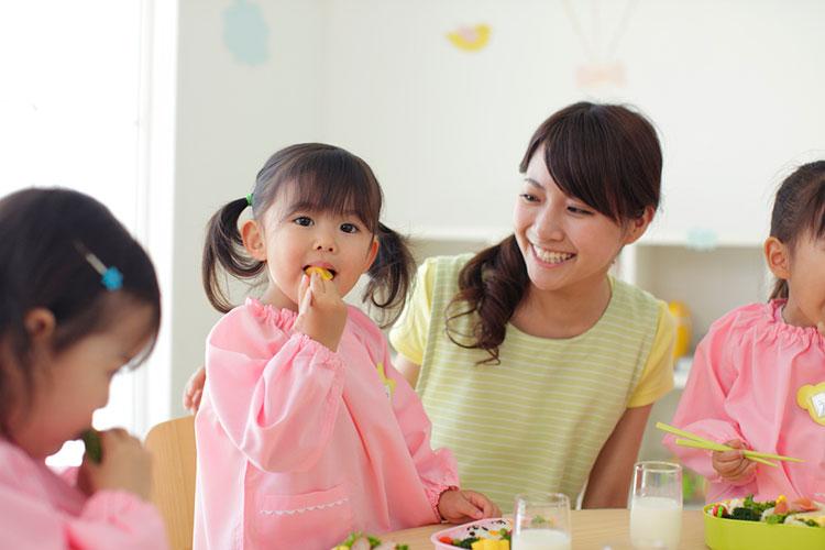 【石上駅】人気の保育園調理スタッフ★かわいいお子さまに囲まれながら働きませんか?