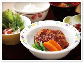 《大阪なんば》高級ホテルでの深夜キッチン業務♪♪朝食ビュッフェの調理補助のお仕事です